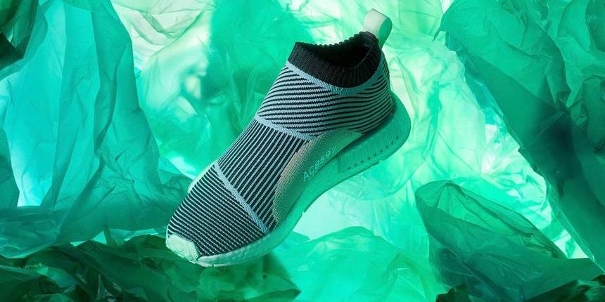 Thành công của Adidas với giày từ rác thải nhựa biển