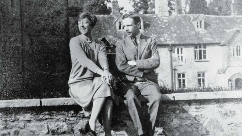 leonard elmhrist r with his wife dorothy at dartington hall devon uk