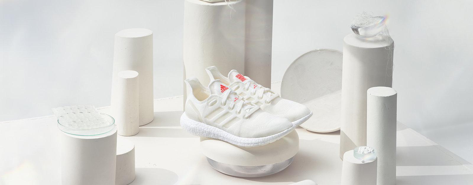 adidas tung chiến lược sản xuất không-rác-thải với sneaker làm từ nhựa tái chế