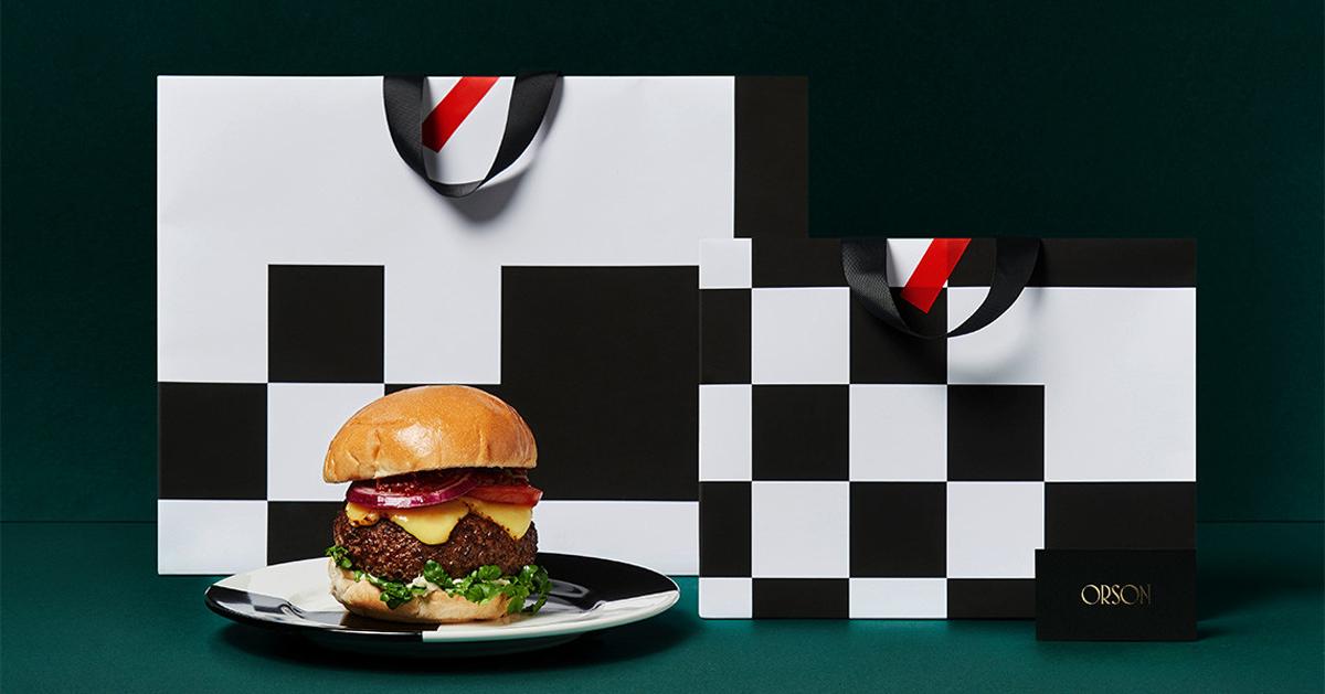 Orson Burger Kitchen - Nhà hàng phục vụ burger, rượu vang và sữa với gam màu tối
