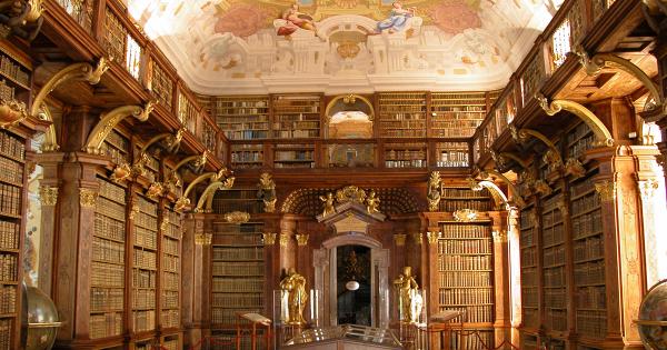 Thư viện cổ tại tu viện Melk ở Áo sừng sững trên vách đá cạnh sông Danube