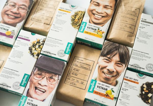 Tái thiết kế bao bì cho dòng trà Teapins Farmers sản xuất bởi nông dân địa phương