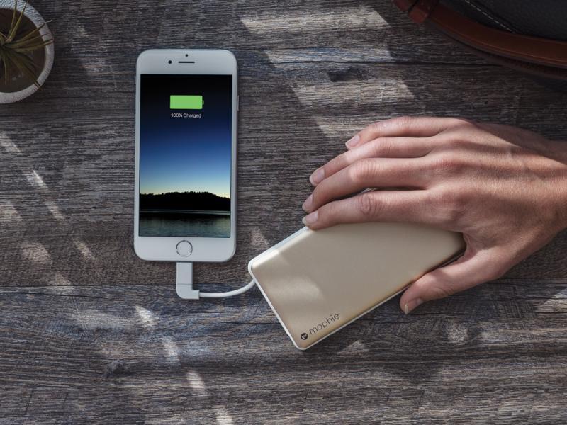Với thiết bị này, bạn chỉ cần di chuyển ngón tay và điện thoại sẽ được sạc pin nhanh chóng