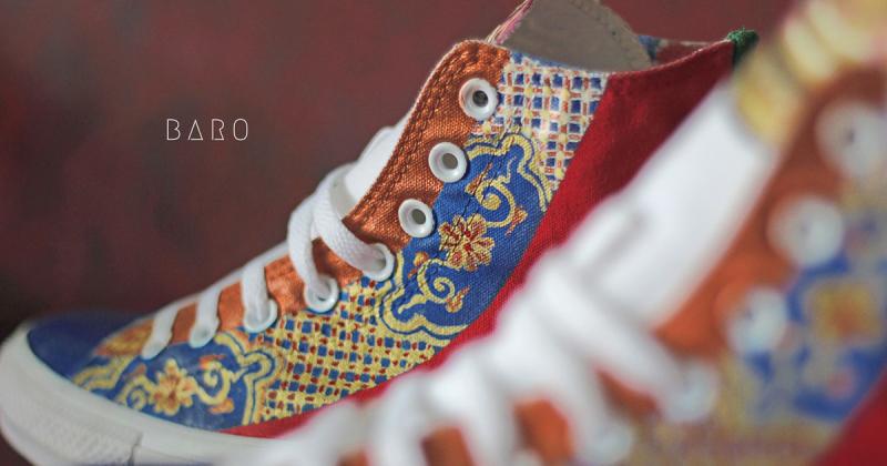 Bạn đã từng thấy đôi Converse với hoạ tiết cung đình thời Nguyễn?