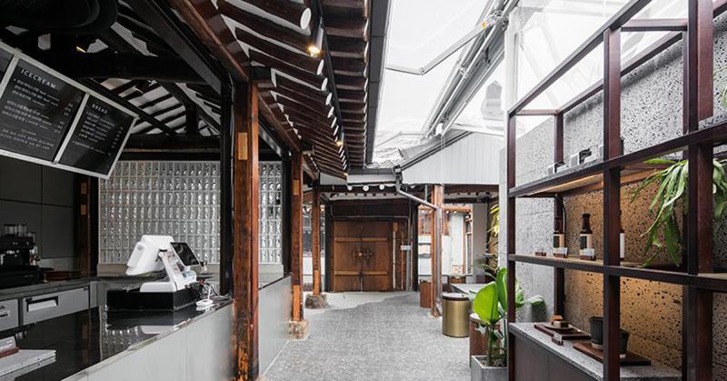 Seoul Coffee: Cải tạo nhà ở thành quán cà phê đương thời