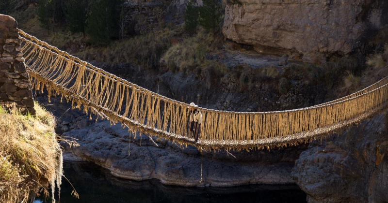 Thiết kế bện cỏ thành cầu treo  cuối cùng của nền văn hóa Inca