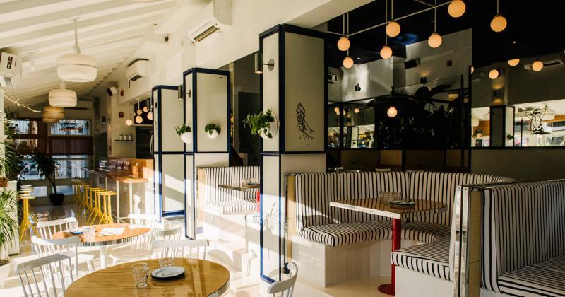 A Summer Day Café - Mang đại dương xanh rì rào đến bên bạn