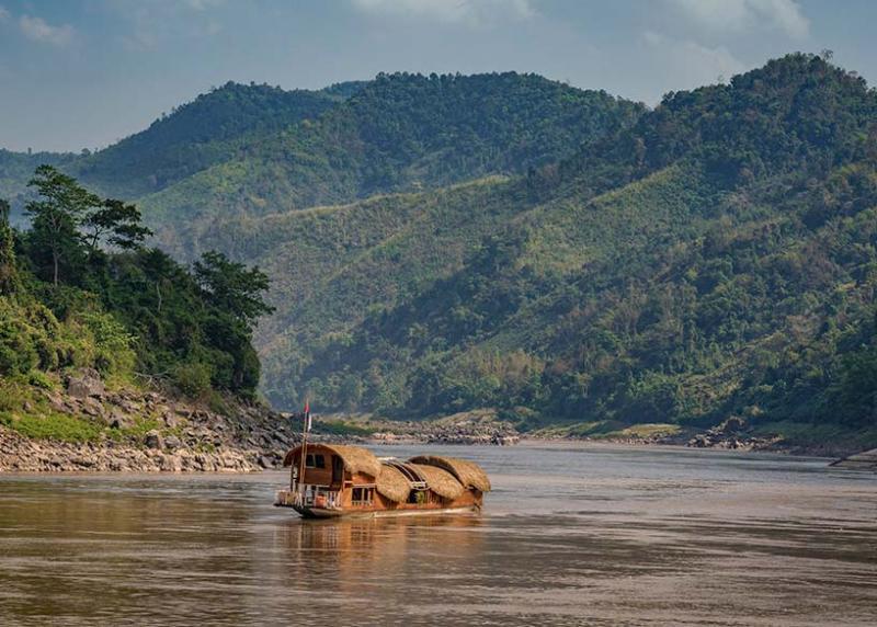 Tàu Gypsy xuôi dòng Mekong đưa ta ngược dòng thời đại hoàng kim cổ xưa