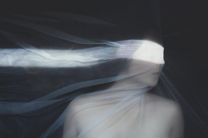 Những bức ảnh miêu tả trải nghiệm trầm cảm của người nghệ sĩ