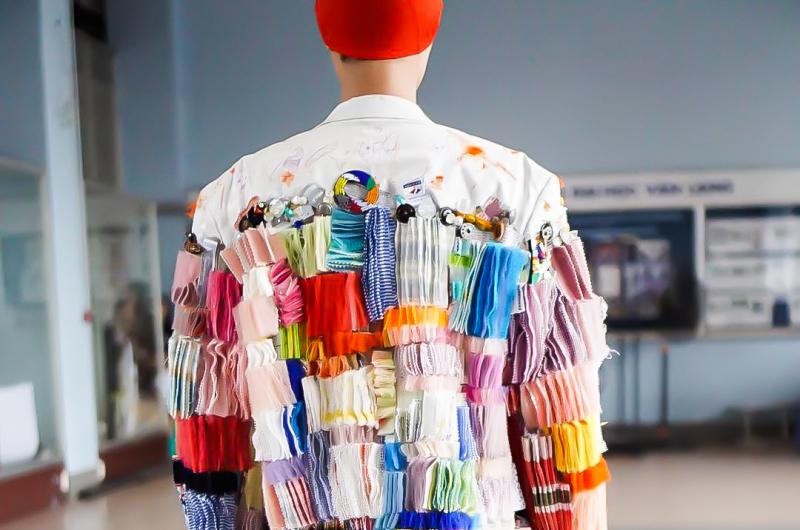 """Nguồn cảm hứng sống động từ đồ án """"Xử lí chất liệu"""" ngành Thời trang trường ĐH Văn Lang"""