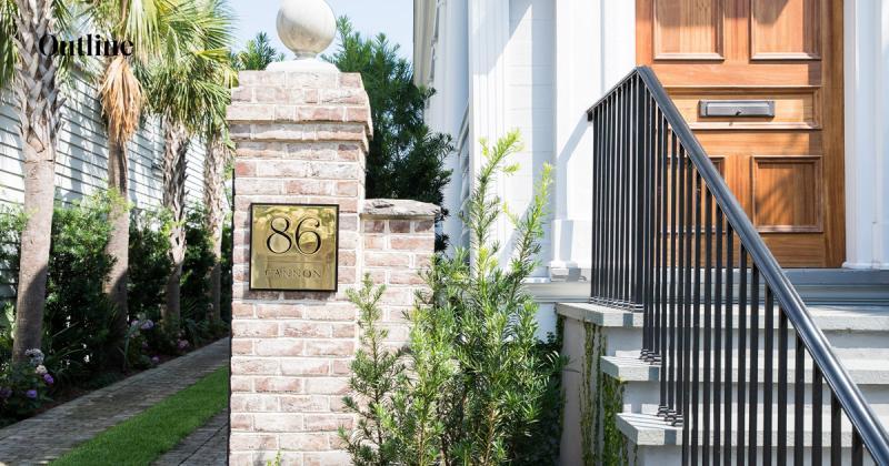 Tái xây dựng nhà cổ thành khách sạn nhỏ nhắn với vẻ tinh tế, mềm mại và hiện đại