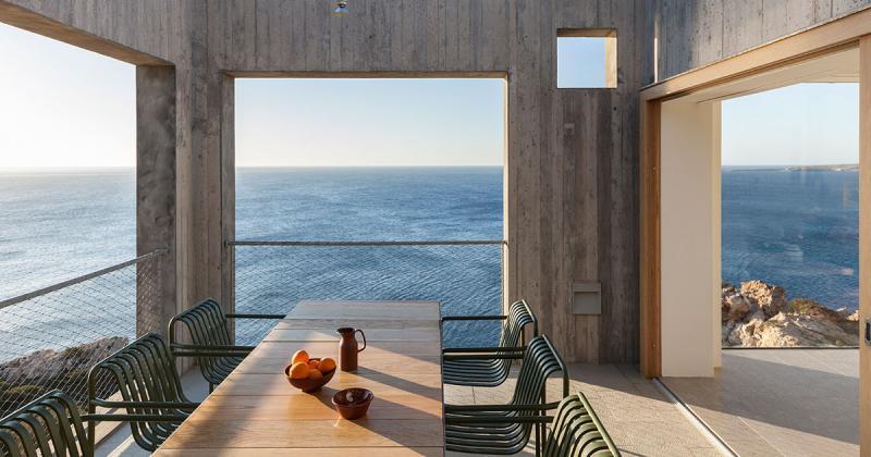 Bay liệng trên biển Aegean: Ngôi nhà Patio tại Karpathos, Hy Lạp