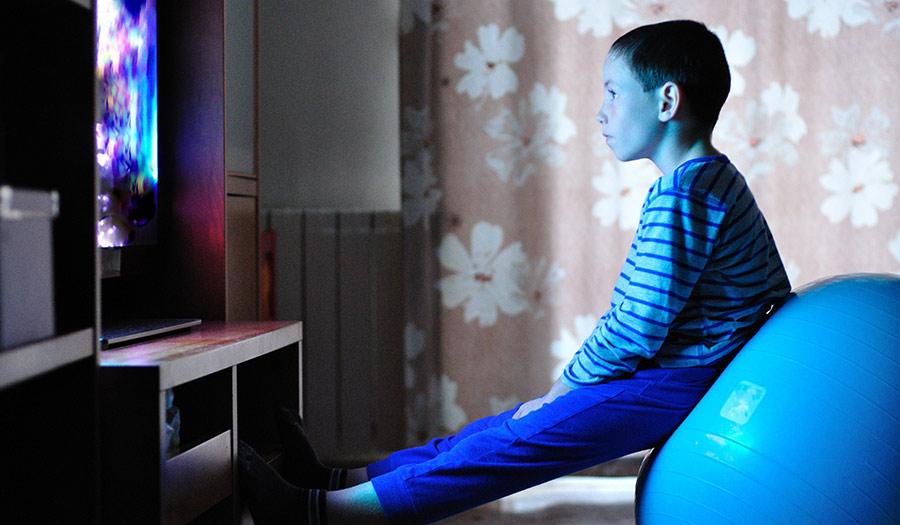 tv child indoors apha 180516