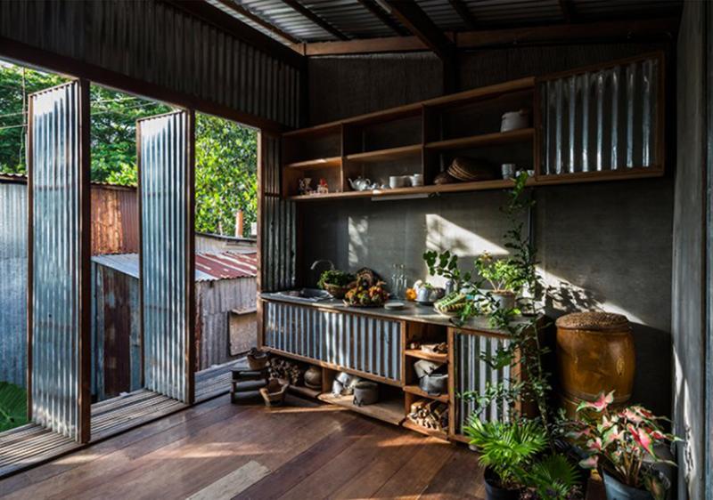 Nhà mái tôn ở An Giang có gì khiến nhiều báo nước ngoài thích thú?