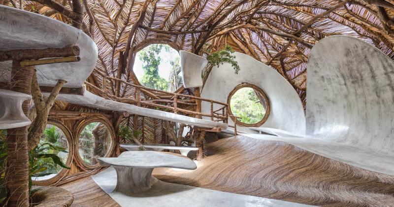 Phòng trưng bày nghệ thuật kì lạ ở Mexico phải đi chân đất mới được vào