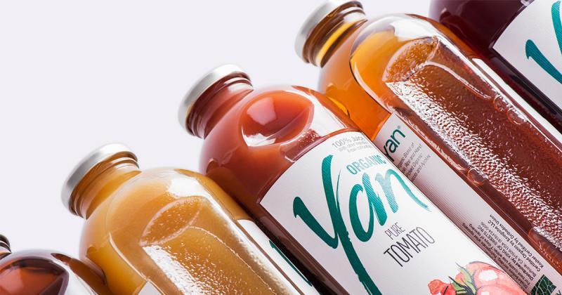 Yan - Chai nước hoa quả ra đời từ hình hài quả táo cắn dở
