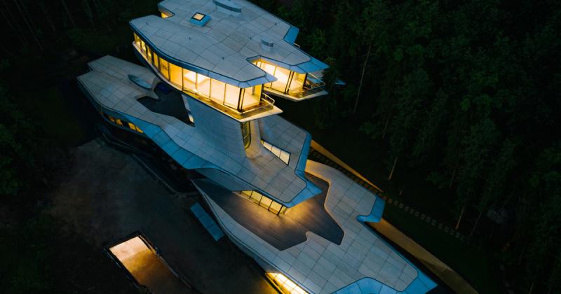 Ngôi nhà hoàn thành duy nhất của Zaha Hadid giữa rừng rậm nước Nga