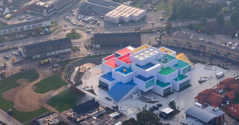 Ngắm nhìn toà nhà bằng Lego lớn nhất trong lịch sử