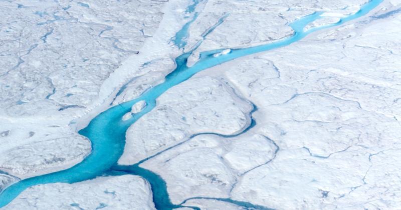 """""""Khi thiết kế của tự nhiên thay đổi"""": Khối băng trôi lớn vừa tách rời khỏi Greenland"""