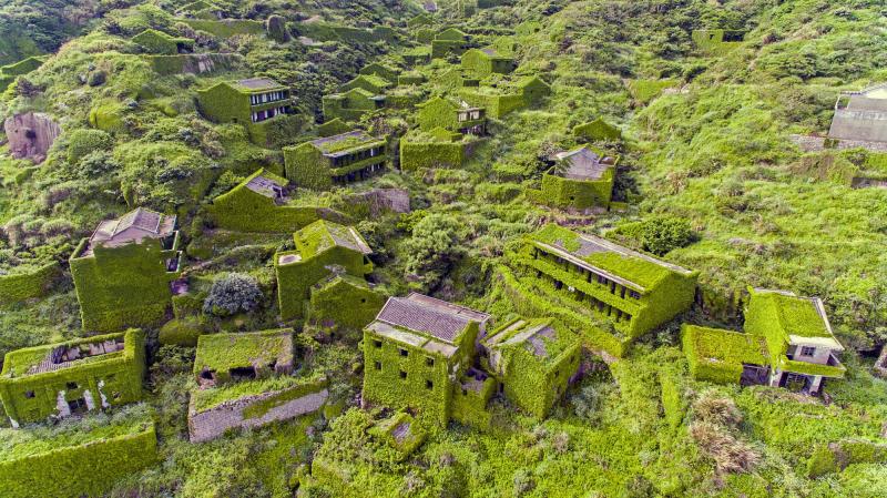 Vẻ đẹp của làng chài bỏ hoang ở Trung Quốc qua ống kính của nhiếp ảnh gia Joe Nafis