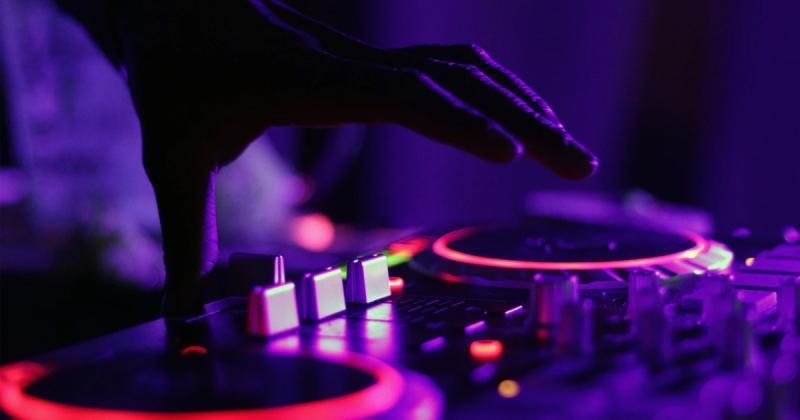 Âm nhạc có ảnh hưởng thế nào đến sự sáng tạo?