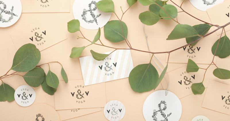 Bộ nhận diện của studio hoa Vega & Vega thể hiện bàn tay tài hoa của nghệ sĩ