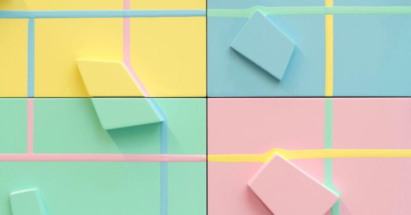 Tác phẩm nghệ thuật màu kẹo vẽ nên bằng những dòng chảy của sơn acrylic