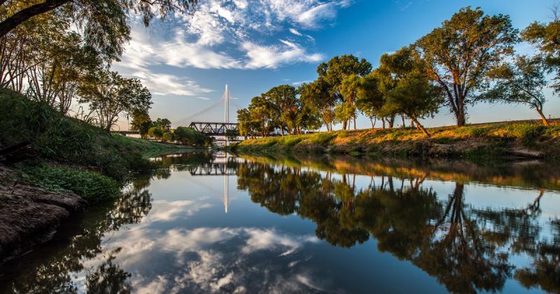 Bộ nhận diện cho dự án Hành lang sông Trinity tại Texas