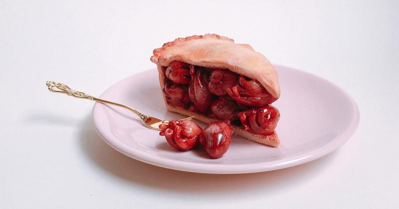 Ngon miệng hay kinh dị khi kết hợp đồ ăn và giải phẫu cơ thể người?