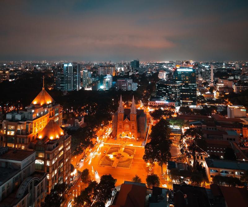 Sài Gòn về đêm lấp lánh diệu vợi qua ống kính của chàng sinh viên