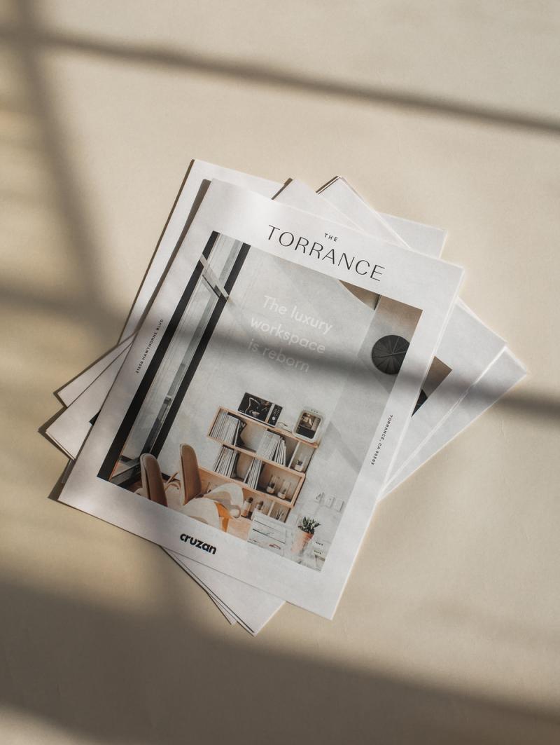 Thiết kế đầy thanh thoát cho ấn phẩm nhận diện của không gian coworking