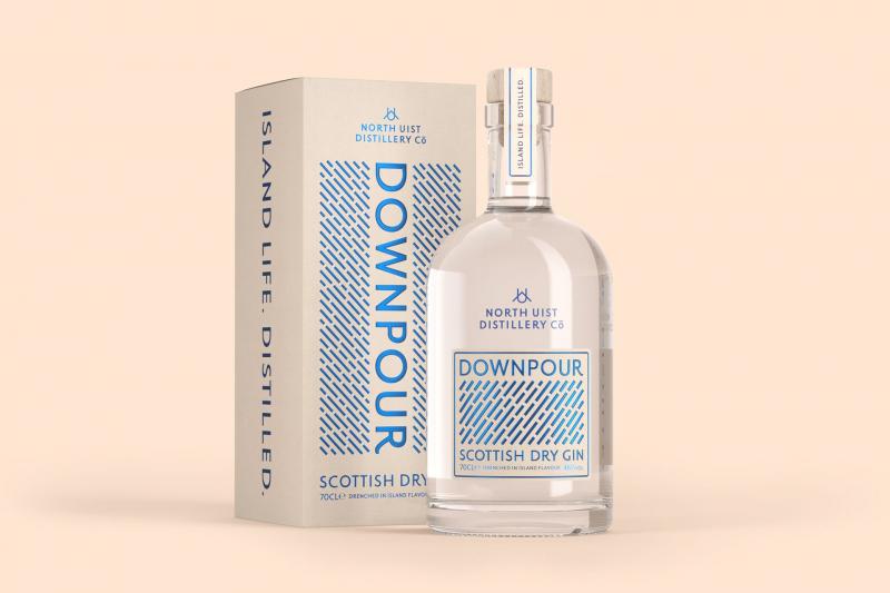 Downpour Gin - Loại gin mang hương vị chua cay chiết xuất từ nguyên liệu tự nhiên