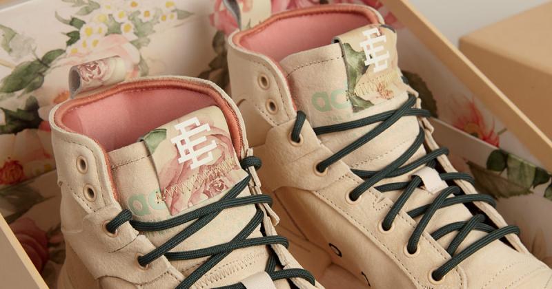 Đôi giày Eric Emanuel x Adidas Originals lấy cảm hứng từ hoa văn giấy dán tường