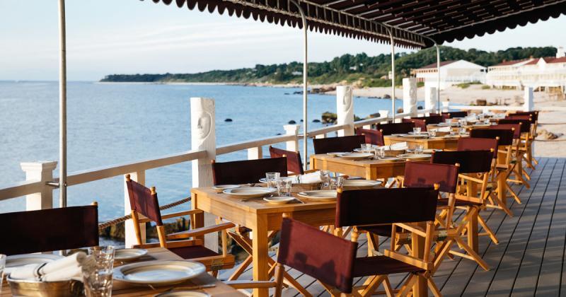 Nhà hàng Halyard hướng biển sử dụng nguyên liệu địa phương phục vụ thực khách