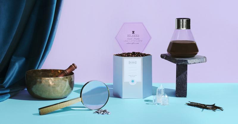 Cà phê Elixir với nét thẩm mỹ huyền ảo lấy cảm hứng từ hình ảnh nhà giả kim