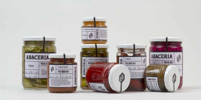 Cách cửa hàng thực phẩm Abaceria thống nhất các dòng sản phẩm đa dạng qua một bộ nhận diện duy nhất