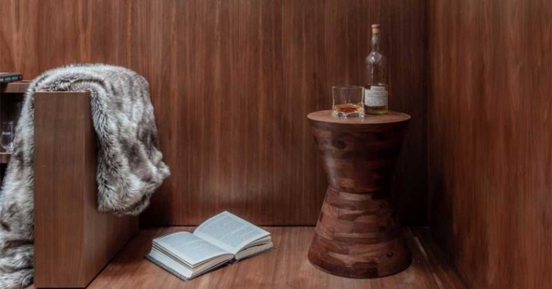 Khuê phòng hiện đại dành riêng cho bộ ba lãng mạn của một 'throuple'