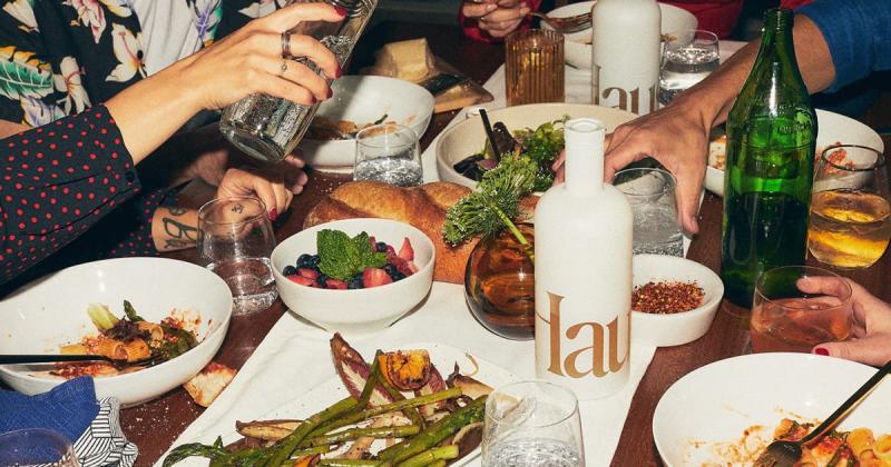 Thẩm mỹ những năm 80 trong thiết kế web của rượu Haus