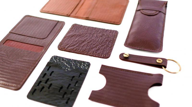 Tômtex - Sản phẩm da làm từ vỏ hải sản và bã cà phê của Uyên Trần