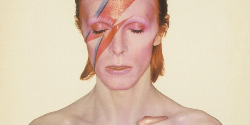 David Bowie và ảnh hưởng của ông đến lĩnh vực thiết kế đồ họa và âm thanh