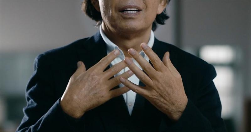 'Đôi tay là công cụ của tâm hồn': Đoạn phim 2 phút về sắc thái bàn tay của nhà thiết kế Takada Kenzo