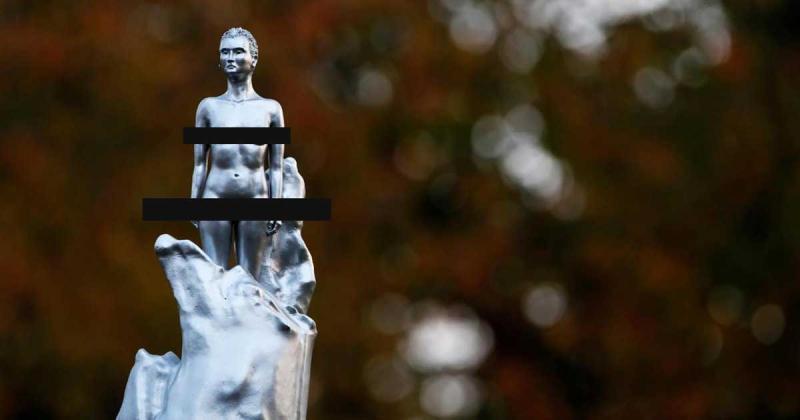 Tượng khoả thân tôn vinh nữ quyền ở London gây tranh cãi