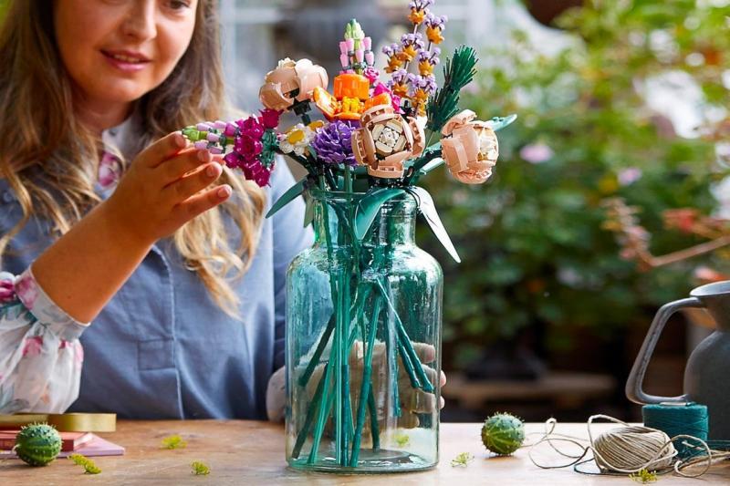 Hãy để sự sáng tạo của bạn thoả sức 'tung bay' với bộ sưu tập LEGO thực vật hoàn toàn mới